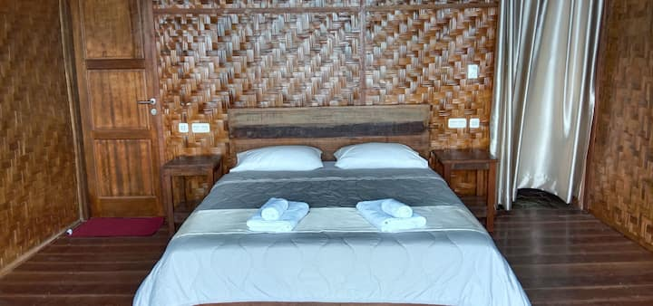 Front sea with hot shower eco friendly bungalow.