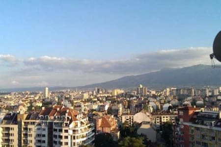 Sunny, clean and cozy double room with city view - Sofia - Apartment