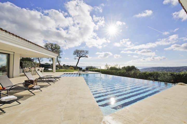 Villa on the hills with sea view - Pool & Sauna