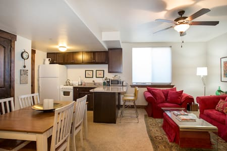 ***Amazing price, location, & quality. Book today! - Kamas