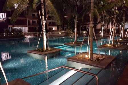 Brand New Resort-Style Condo Near Town! - シンガポール