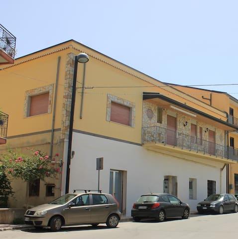 bellissima casa singola in sicilia vicino al mare - Torrenova - Casa