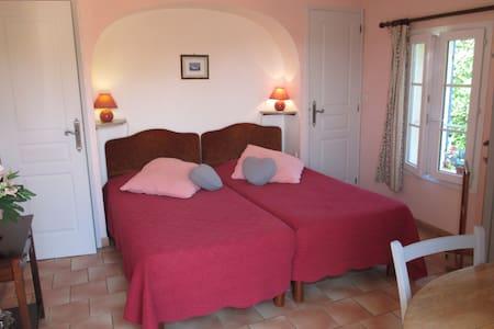 Chambre d'hôtes dans propriété viticole Luberon - Pertuis