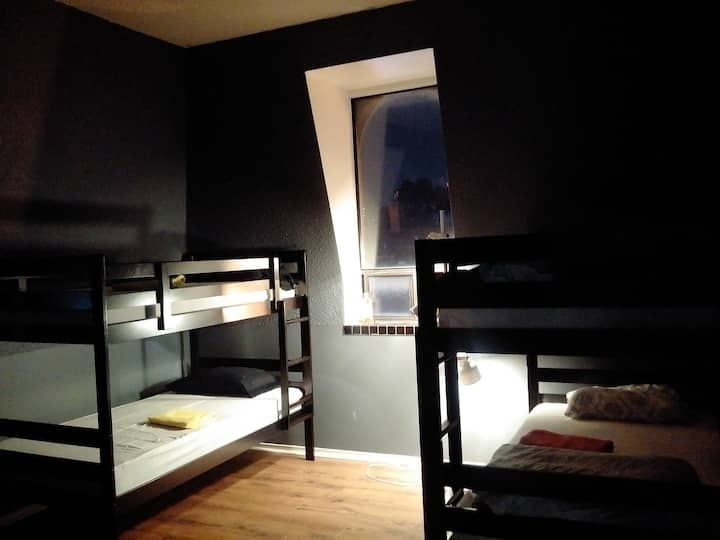 Apt 6A-2 @ The Parkdale Hostellerie (Male Dorm)