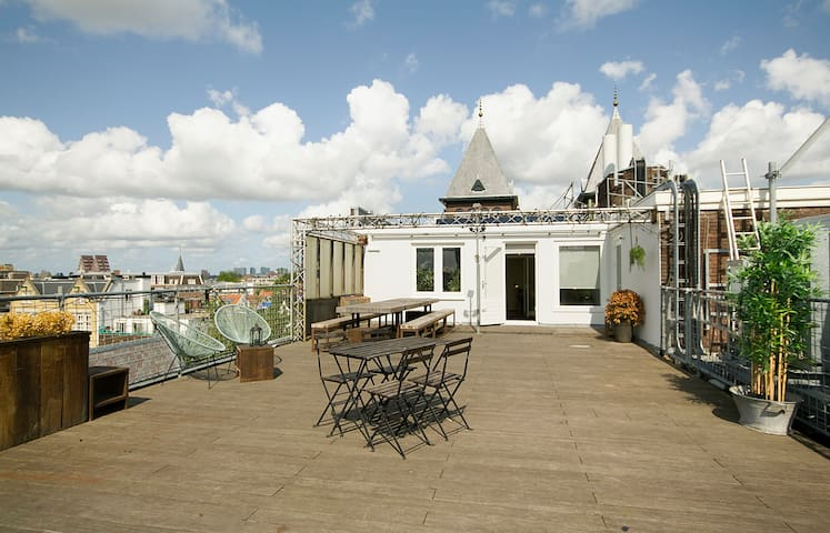 Gorgeous Jordaan penthouse-central located- roof terrace!