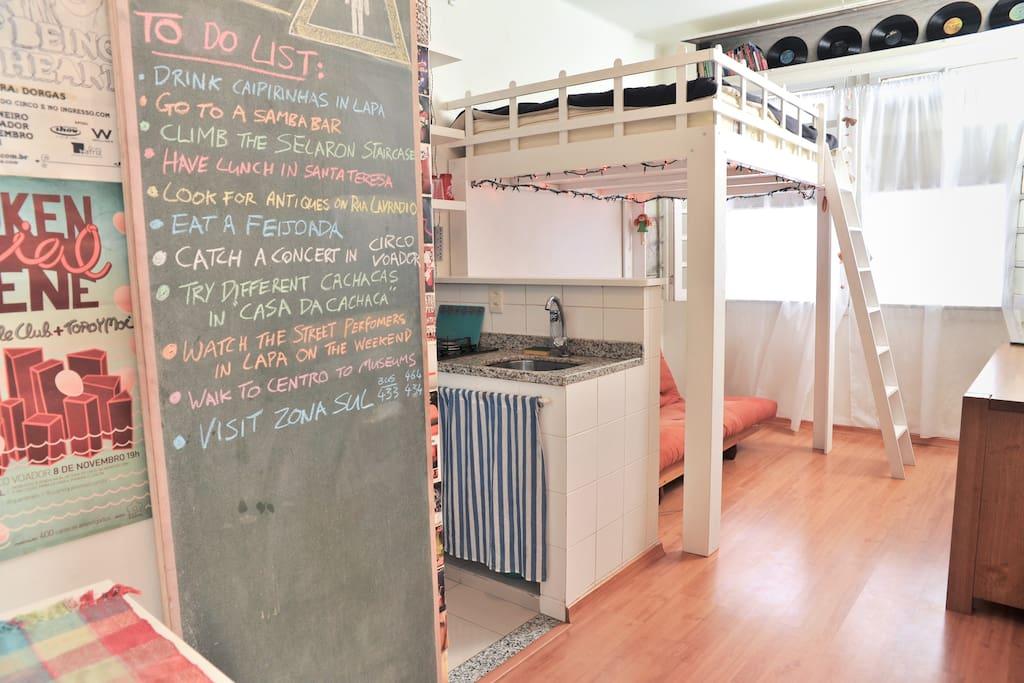 Cool & Creative Lapa Studio with AC