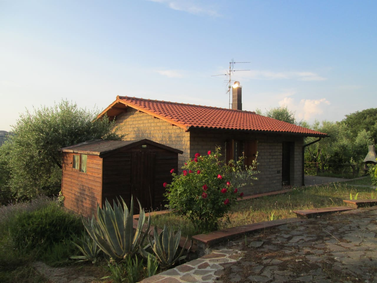 Casetta-Home in Tuscan country-side