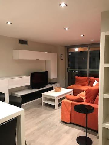 Habitación doble en apartamento muy acogedor.
