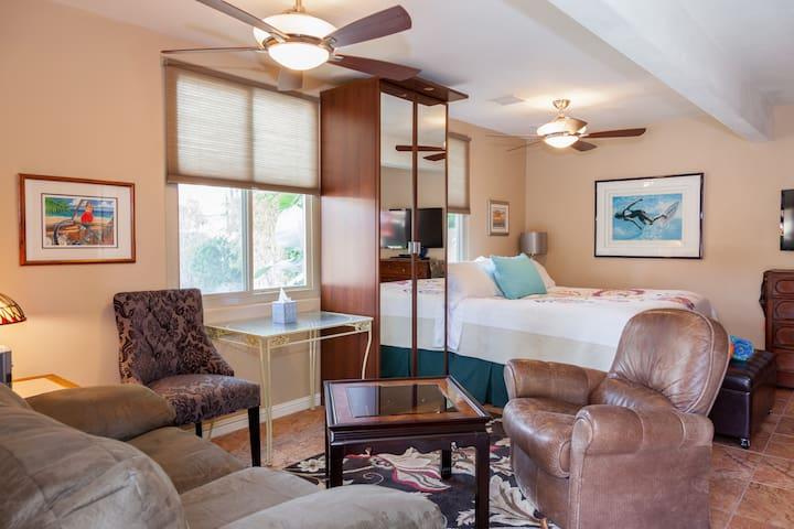 385 sq. feet of relaxing cozy studio suite.