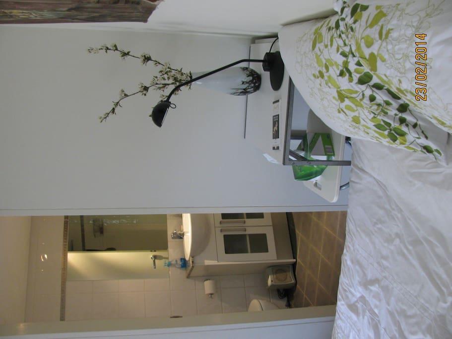 Bed and En suite