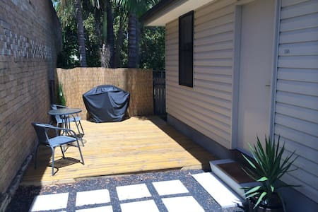 Self contained Cottage in Dee Why