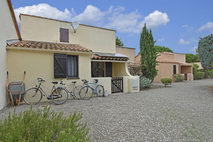Great holiday home near a pleasure marina, the Mediterranean and the nature rich Pyrenees.