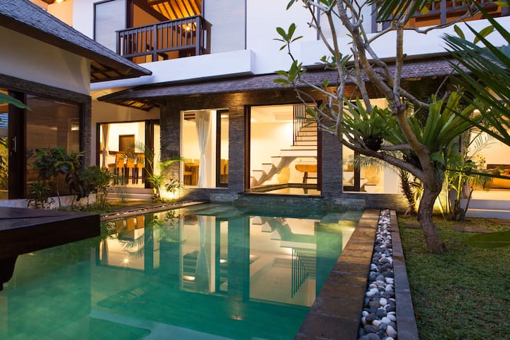 Huge 4BR Villa Seminyak Canggu Umalas with XL Pool