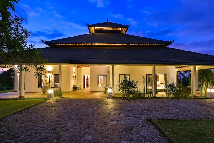 Luxury private villa with full service