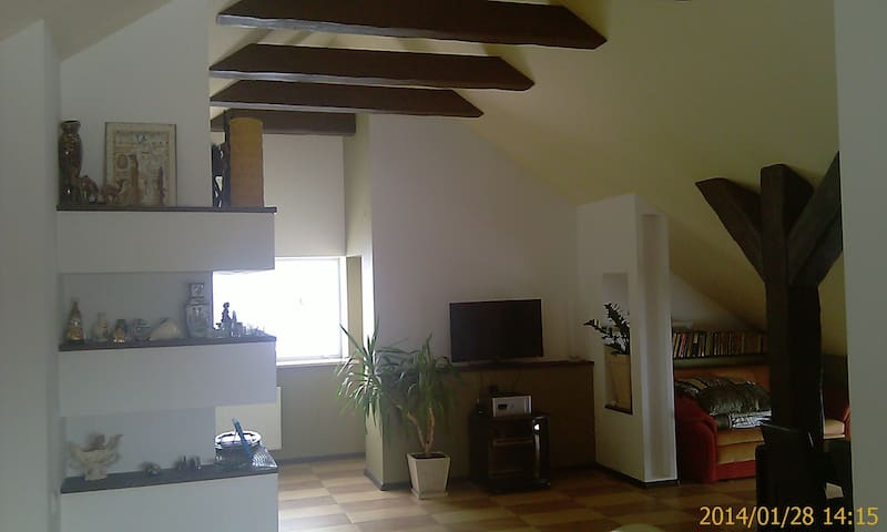 80m2 apartment -8 km Lublin center