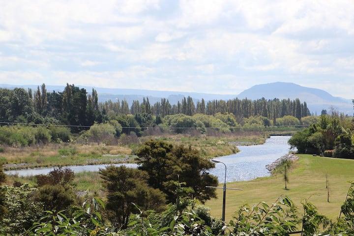 Tongariro River Cottage