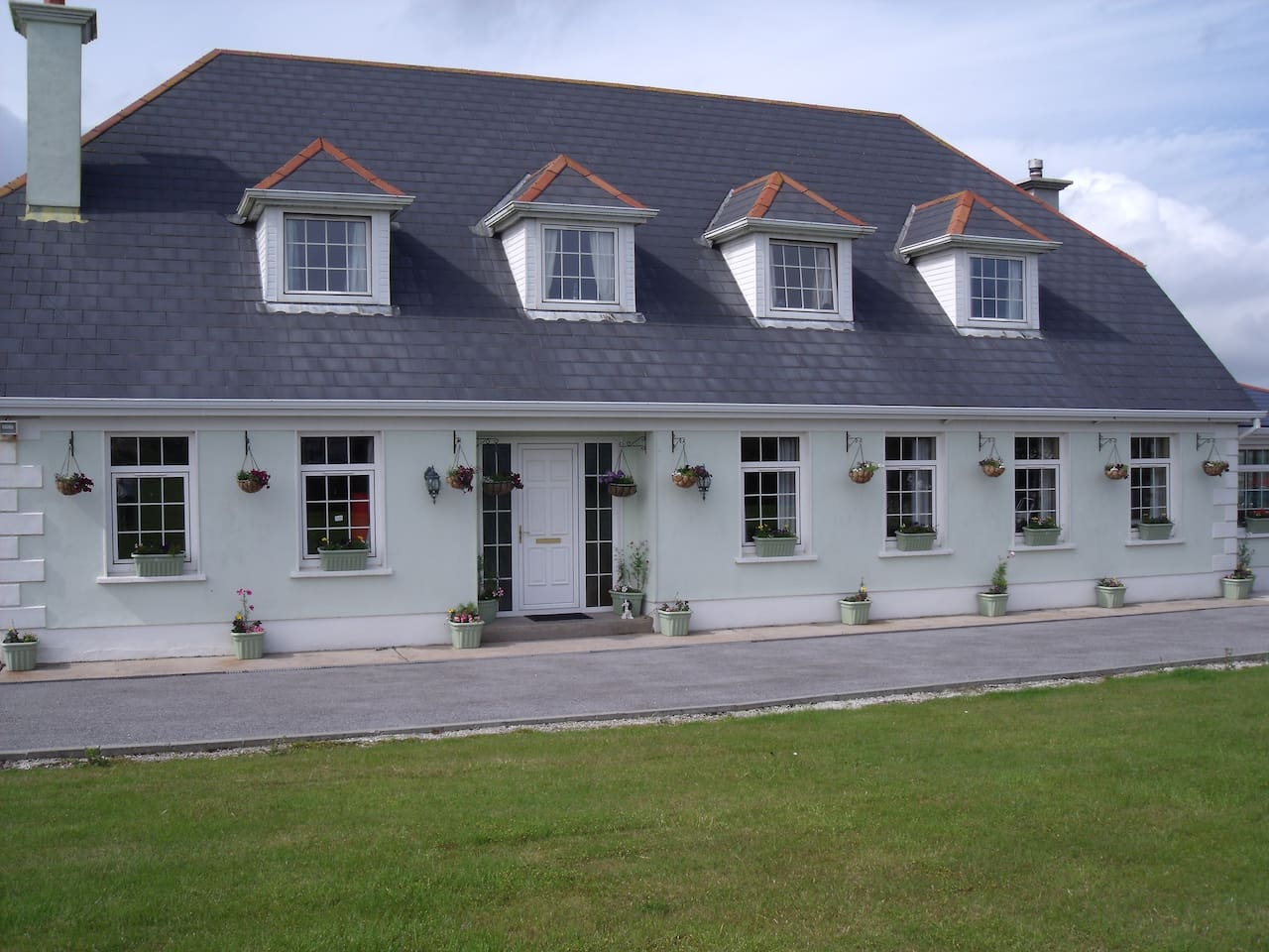 Front view of Duncrone B&B