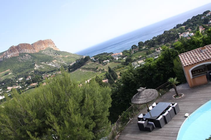 Great Villa with seaview & swi-pool