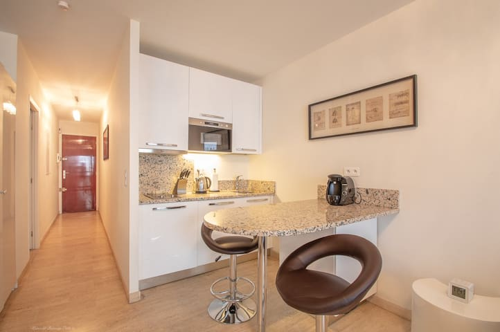 Studio in the Town Center Rue d'Antibes