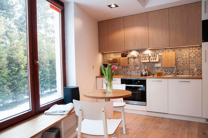 Apartment with bedroom, WiFi and heated floor. - Krakau - Wohnung