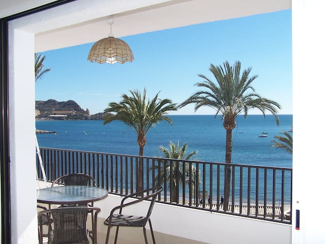 Beachfront appartment sunny & calm - Águilas - Byt