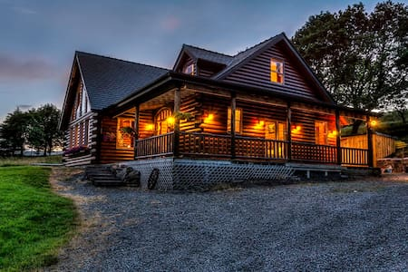 Log cabin in the mountains. - Westport - Chalet
