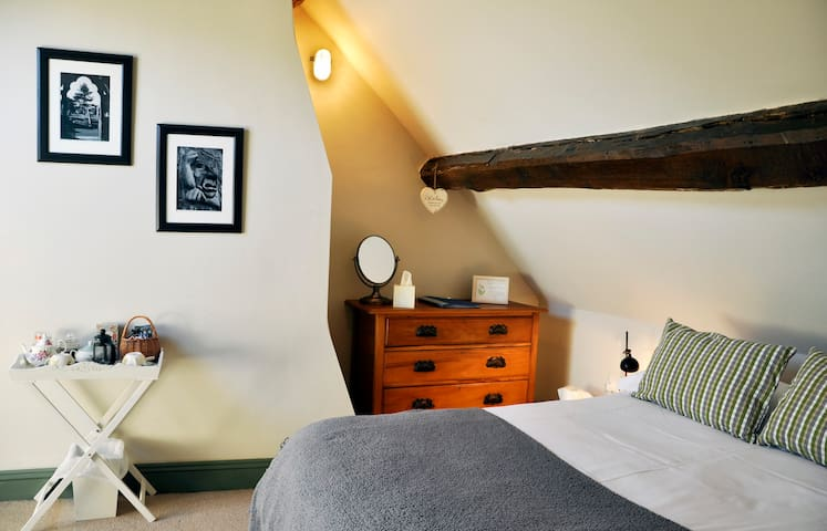 Bromley Room in friendly B&B - Abbots Bromley - 家庭式旅館