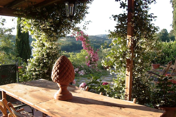 ENCHANTING VILLA IN TUSCANY - Florence