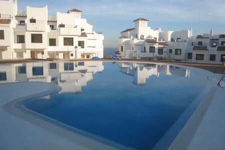 Stunning apartment in Alcaidesa 128 m2: Golf&Sun - La Alcaidesa - Apartamento