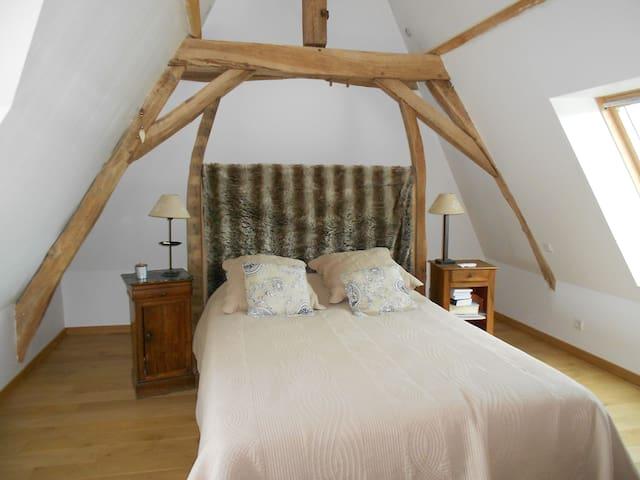 Une chambre...