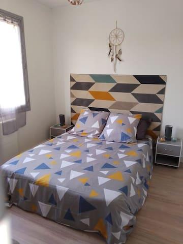 Première chambre , lit double avec dressing