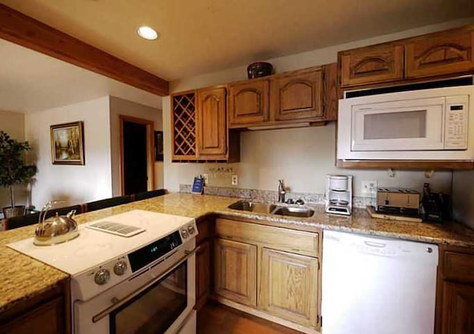 Luxury.Awesome Views.Wifi.Clubhouse - Silverthorne - Apartment