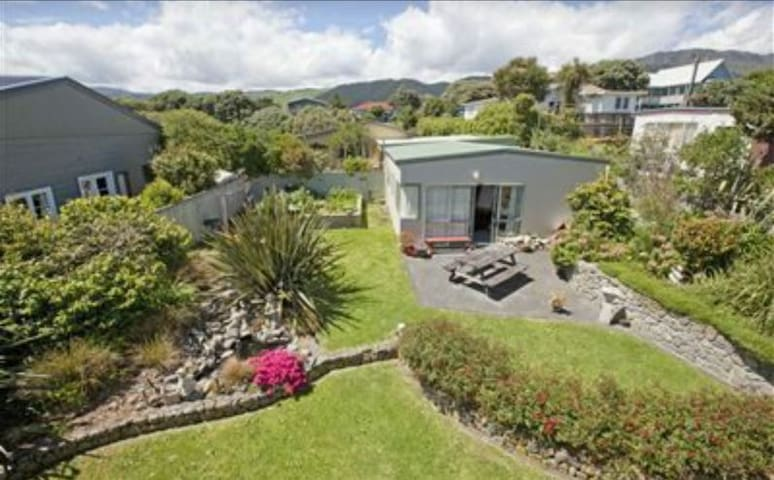 Studio apartment available for Lions Tour - Paekakariki - Apartmen