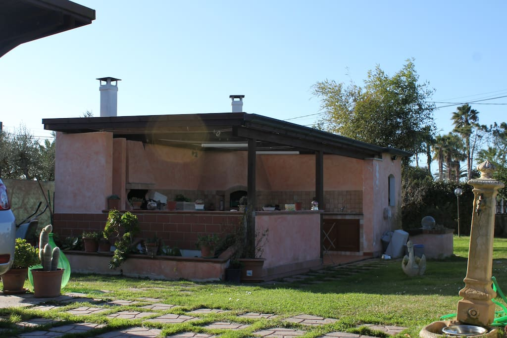 Gazebo con cucina e BBQ - Gazebo with kitchen and BBQ