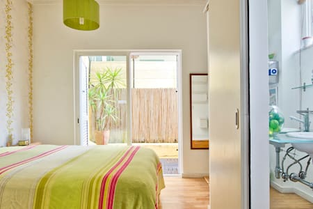 Lisbon cool & cosy flat with patio - Lissabon - Appartement