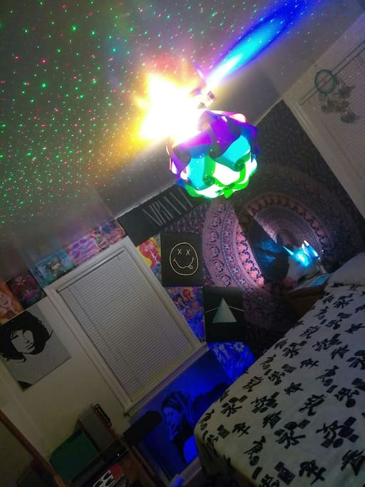 electronic laser light show in the master hippie themed guest room... this picture does not give this room any justice.