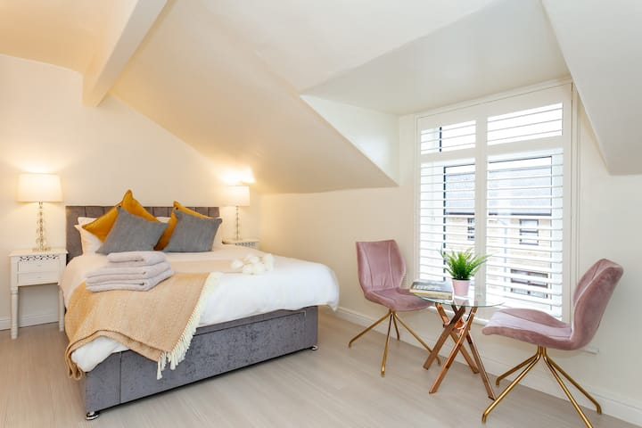 Loft Studio, Hgate centre, Parking, Fast WIFI.