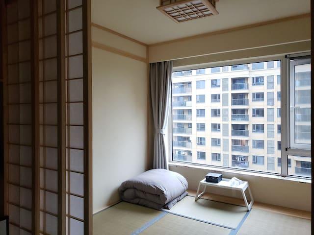 榻榻米床铺