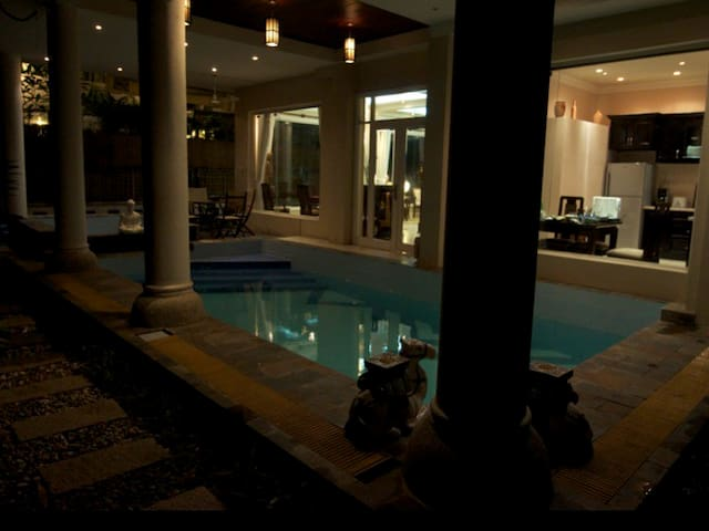 Private Villa w/Pool 6BDR 6BATH - Ho Chi Minh City - House
