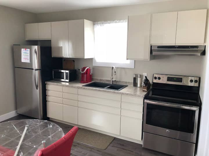 (25-2nd) Executive furnished one bedroom
