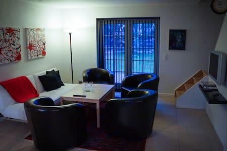 Centralt og billigt hus el. værelse - Silkeborg
