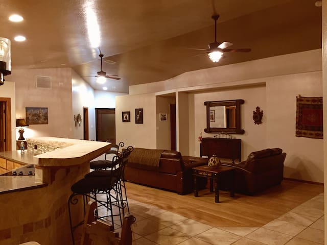 Friendly, Custom home. Elegant country living. - Chino Valley - Casa
