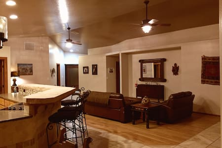Friendly, Custom home. Elegant country living. - Chino Valley