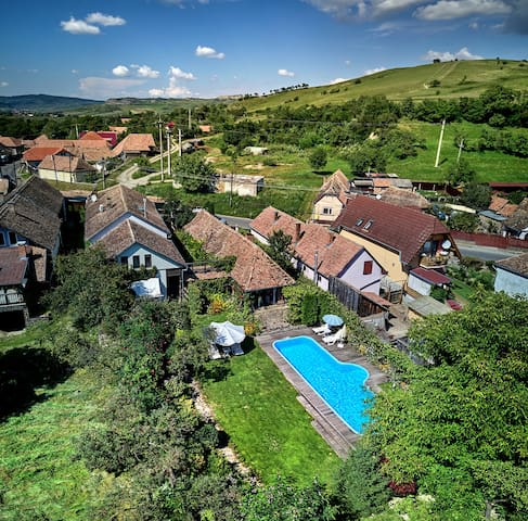 The 1.600 sqm property is located in the heart of Transylvania, in the Szekler county, 20 km away from the medieval citadel Sighisoara.