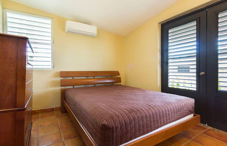 Bedroom Second floor, queen bed