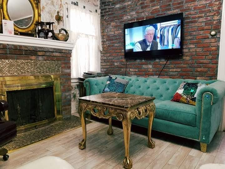 Queens Celebrity Home Master Bdrm
