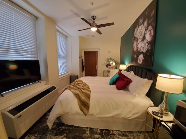 Cozy Guest Suite in the Heart of Downtown Cincy