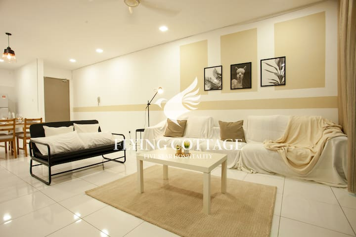 【Cleanest Homestay in Town】Bkt Indah Skyloft Apt.