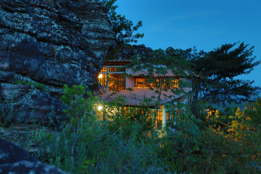 Cave In Igatu Chapada Diamantina Ba Houses For Rent In