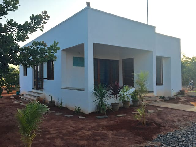 Keshavara Bungalow - Auroville - Bungalow